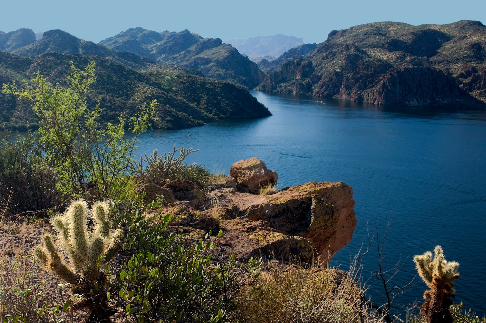 Junk bond billionaire has 110 000 sq foot mansion for Saguaro lake fishing